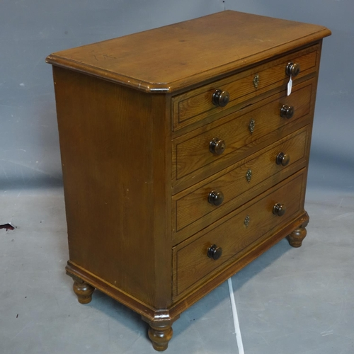 313 - A Georgian grained and painted chest of four long drawers, on turned supports, H.93 W.95 D.47cm...