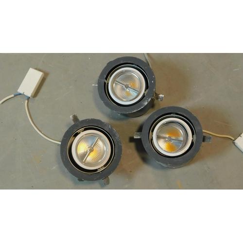 151 - A set of 3 iGuzzini lights, D.18cm...