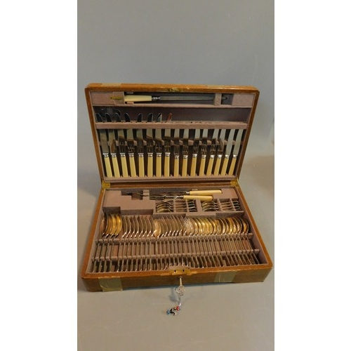 264 - A Mappin and Webb silver plated canteen of cutlery in a fitted oak case H.11 W.49 D.33cm (complete)...