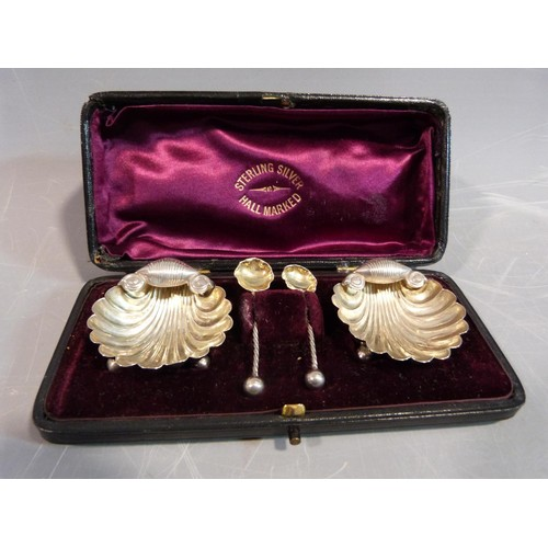 7 - A collection of silver items. Including a pair of George III, 1796, Sugar nips by Thomas Watson in a...