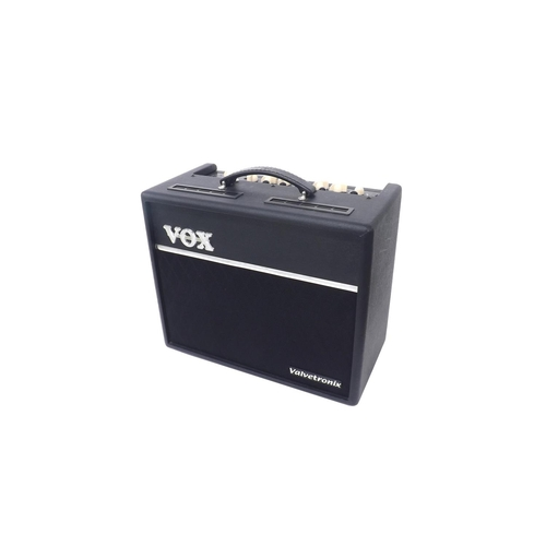 523 - Vox Valvetronix AD60VT guitar amplifier in need of servicing (slightly distorting at low gain levels...