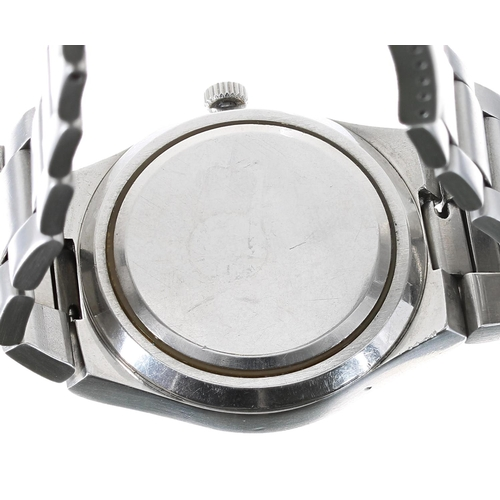 30 - Omega Seamaster Cosmic 2000 automatic stainless steel gentleman's bracelet watch, circular silvered ...