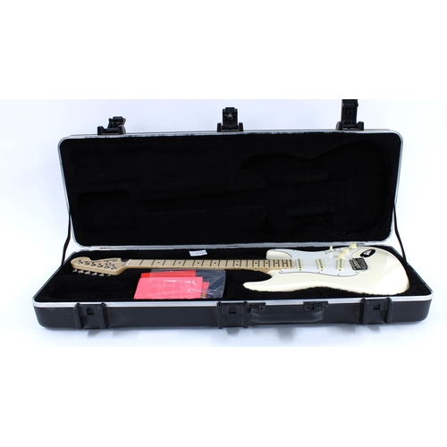 17 - 2019 Fender American Performer Stratocaster electric guitar, made in USA, ser. no. US19xxxxx8; Finis...