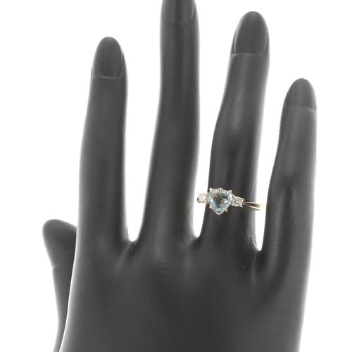 36 - 18ct yellow gold heart shaped aquamarine and diamond three stone ring, the aquamarine 1.00ct approx,...