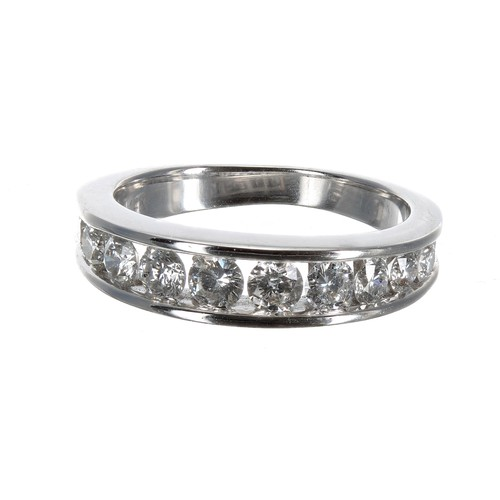 53 - Good quality 18ct white gold diamond half eternity ring, 1.00ct approx in total, clarity SI, colour ...