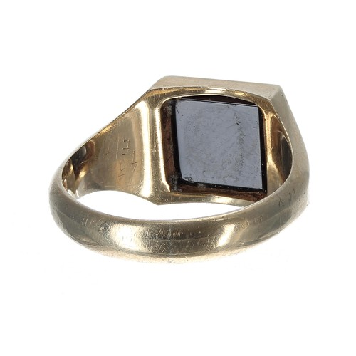 38 - 9ct gentleman's onyx signet ring, 6.2gm, 12mm, ring size T