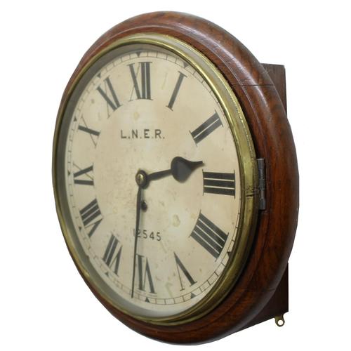 1015 - London North EasternRailway (L.N.E.R) oak single fusee 12