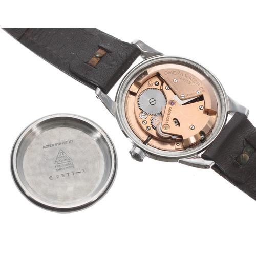9 - Omega 'bumper' automatic stainless steel gentleman's wristwatch,ref. 2577-1, serial no. 12016xxx, c...