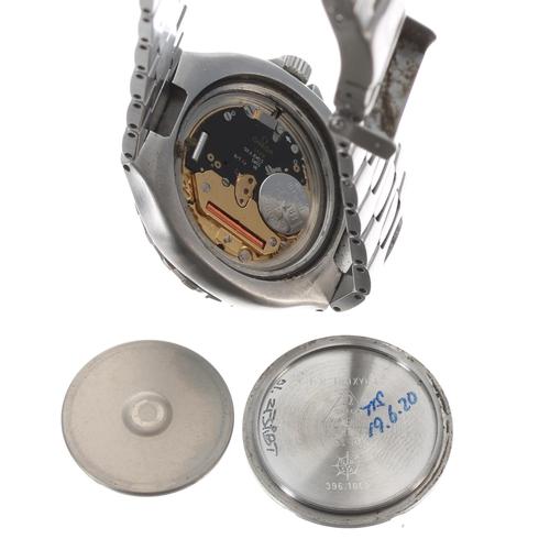 25 - Omega Seamaster Professional 200m (pre-Bond) stainless steel gentleman's wristwatch, ref. 396.1062, ...