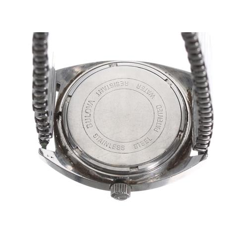533 - Bulova Accutron stainlesssteel gentleman's wristwatch, case ref. 5-174399,silvered dial with baton...