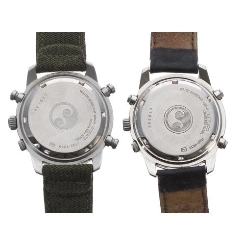 538 - Two Seikos SQ100 Chronograph stainless steel gentleman's wristwatches, ref. 7T32-7E10, quartz, 39mm ...