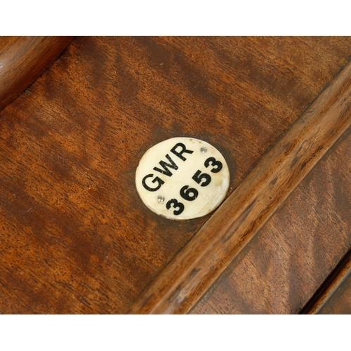1054 - Great Western Railway (G.W.R) mahogany single fusee 12