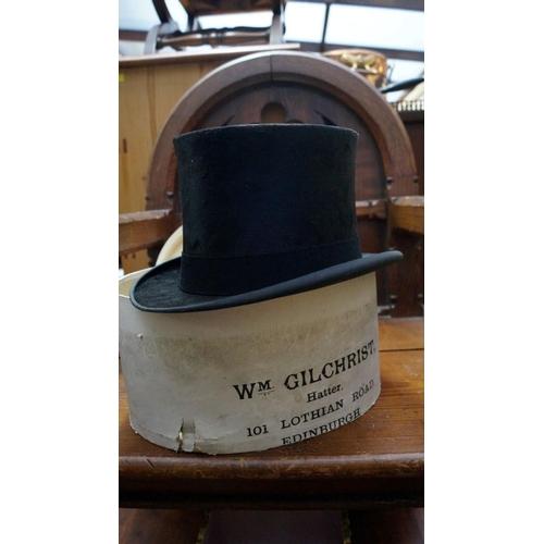 f2c460ba1aea0 1332 - A top hat
