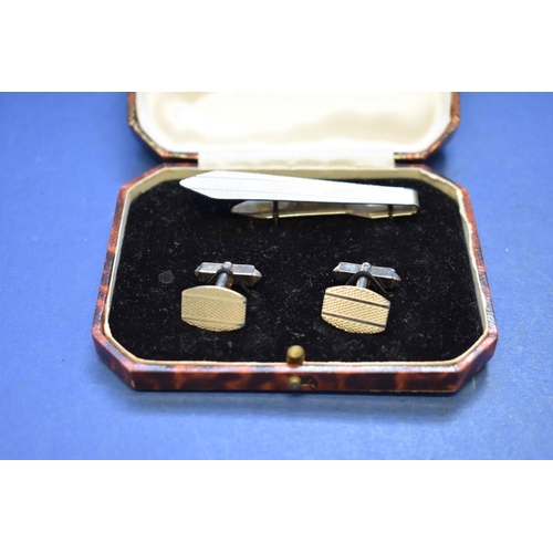 143 - <strong>A selection of gentlemen's accessories,</strong> to include four pairs of cufflinks....
