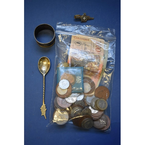 152 - <strong>A collection of English and foreign coins and bank notes;&nbsp;</strong>together with a silv...