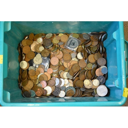 156 - <strong>A quantity of coins</strong>, mostly U.K....