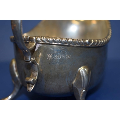 10 - A silver sauce boat,by Barker Brothers Silver Ltd,Birmingham 1961, 307g....