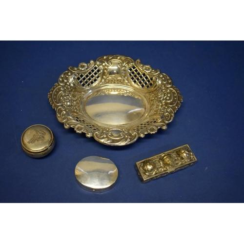 39 - A pierced silver bon bon dish,by Israel Freeman & Son Ltd,London 1958, 90.5g; togeth...