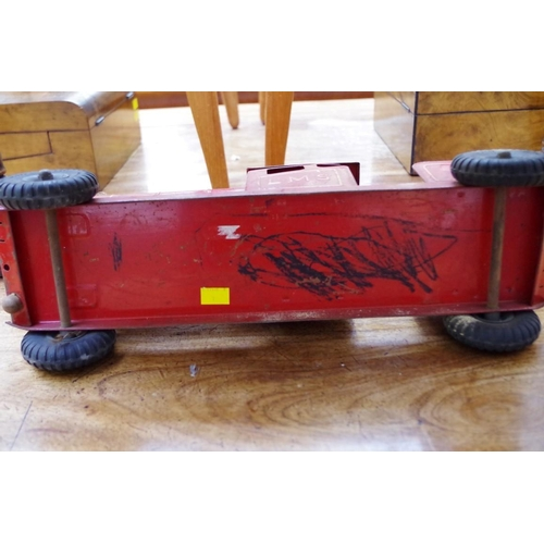 1149 - <strong>A Triang LMS locomotive,</strong>50cm long....
