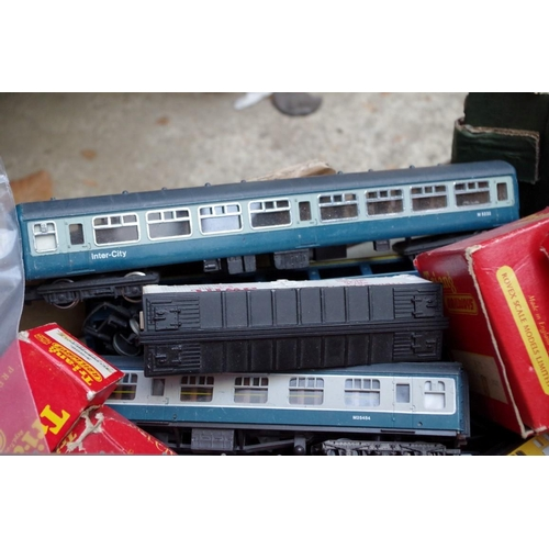 1196 - <strong>A collection of boxed Triang OO gauge,</strong> comprising: RBX Train Set; R82 Station Set; ...