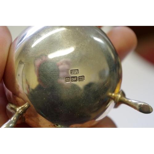 42 - <strong>A pair of silver cauldron salts,</strong> <em>by Atkin Bros,</em> Sheffield 1904, 97g....