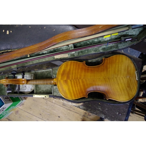 1668 - <strong>An antique German violin,</strong>labelled 'August Riechers, Berlin, No. 346', with 14in ba...