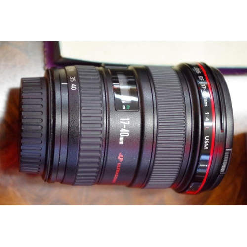 1690 - <strong>Cameras:</strong>aCanon EF 17-40 1:4 L lens, (red line), with dust bag....
