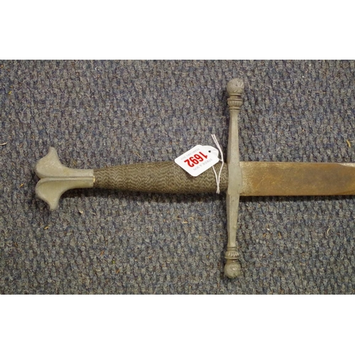 1692 - <strong>Two swords,</strong>one with scabbard....