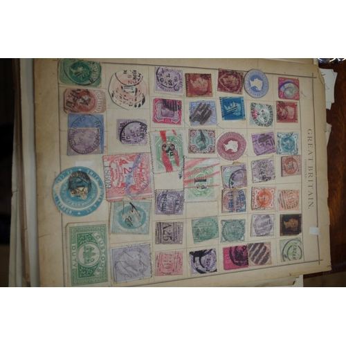 1252 - <strong>Two albums of mixed world stamps.</strong>...