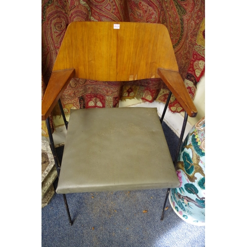 1619 - <strong>A pair of vintage plywood and tubular steel elbow chairs.</strong>...