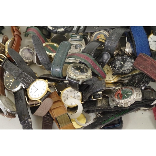 209 - <strong>A quantity of modern wristwatches.</strong>...