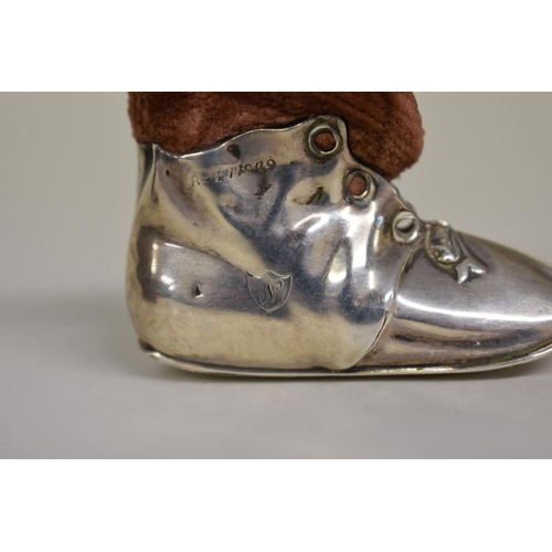 49 - <strong>An Edwardian silver novelty boot pin cushion</strong>, <em>by Levi & Salaman,</em>Birmi...