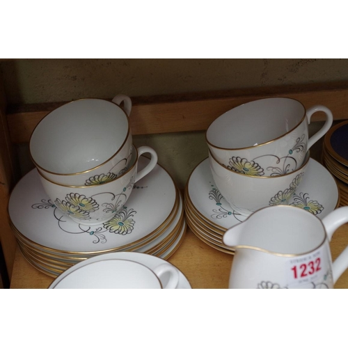 1232 - <strong>A collection of Wedgwood and Spode tea and coffee wares.</strong>...