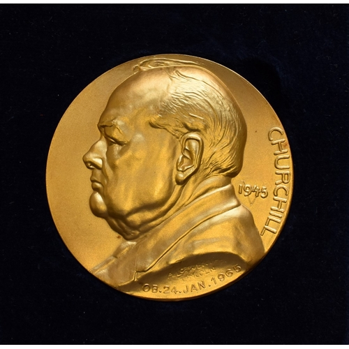 382 - <strong>A cased 22ct gold </strong><strong>limited edition </strong><strong>Winston Churchill gold m...