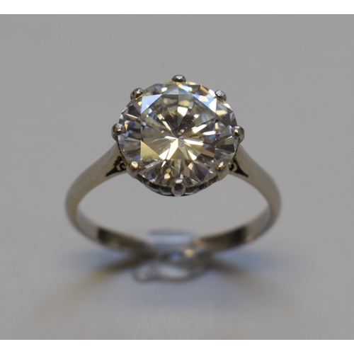 286 - A 4.2ct brilliant cut diamond and platinum ring, colour G/H, clarity VS1/VS2, with accompanying cert...