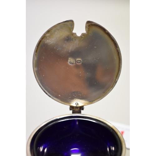 11 - <strong>A silver mustard pot,</strong>by<em>Thomas Bradbury & Sons Ltd</em>, Sheffield 1918, 7c...