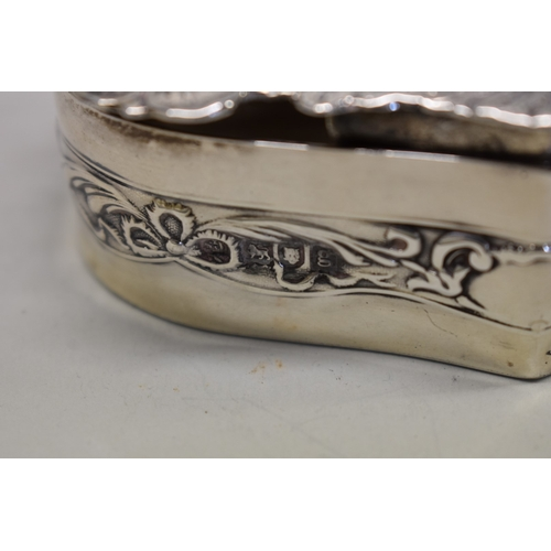 15 - <strong>An Edwardian silver trinket box, </strong>by <em>Samuel Jacob, </em>London 19...