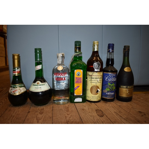 510 - <strong>A mixed lot,</strong>to include a 70cl Remy Martin VSOP cognac....