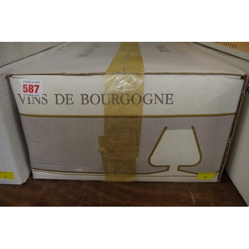 587 - <strong>A case of twelve 75cl bottles of Rully Champs Cloux,</strong> 1993, Domaine Michel Briday, i...