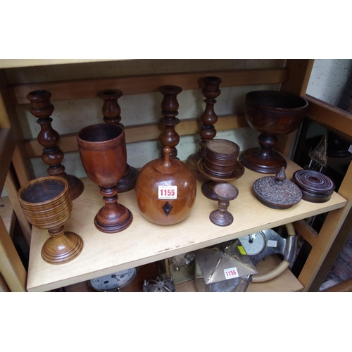 1155 - <strong>A collection of treen. </strong>...