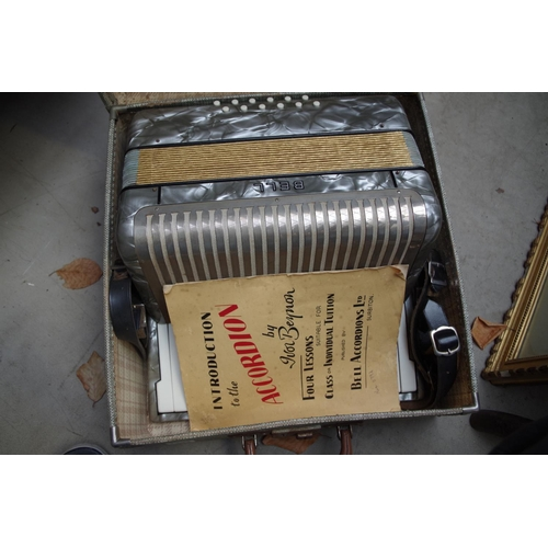 1332 - <strong>A Bell piano accordion,</strong> boxed....