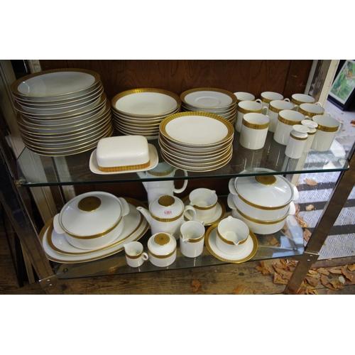 1351 - <strong>A Thomas porcelain 'Medaillon' design gold brocade pattern tea and dinner service.</strong>...