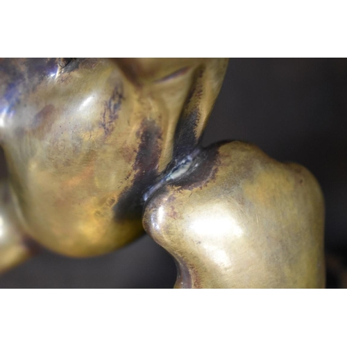 1632 - <strong>An Art Deco bronze and marble gull,</strong>indistinctly signed, 25cm wide....