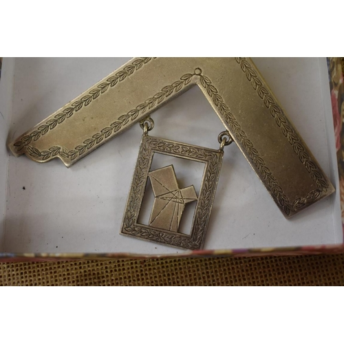 1748 - <strong>A purse form sovereign case;</strong>together with a Masonic pendant....