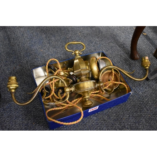 1829 - <strong>A vintage brass twin branch rise and fall counterweighted hanging light. </strong>...