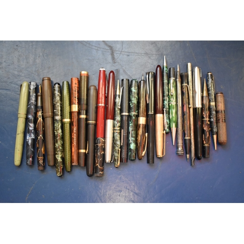 1746 - <strong>A collection of fountain pens and others, </strong>to include nine with 14ct nibs. ...