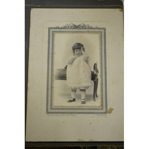 601 - <strong>POSTCARDS & PHOTOGRAPHS: </strong>a quantity, misc, contained in box. ...