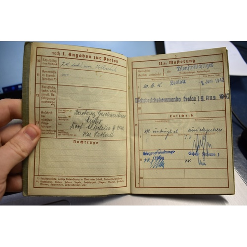 602 - <strong>WORLD WAR II: </strong>a small quantity of correspondence, photographs, documents, etc,...