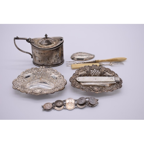 47 - <strong>A small group of silver items,</strong> to include:an Edwardian silver mustard; a Georgian ...