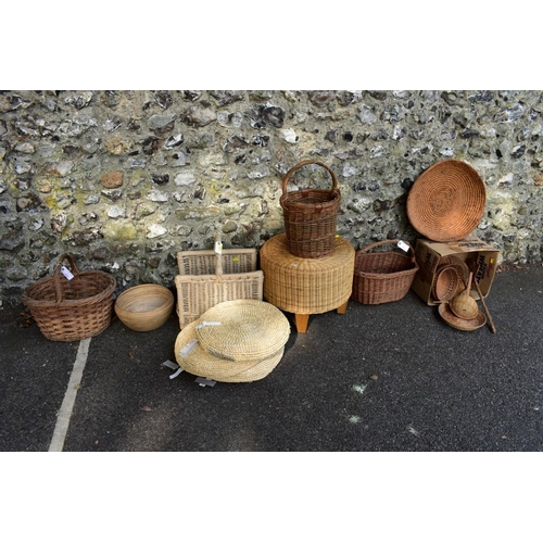 1008 - A quantity of wicker baskets and similar. <strong>This lot can only be collected on Saturday 5t...
